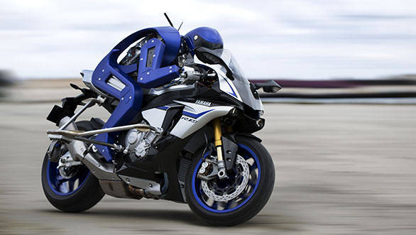2015 Tokyo Motor Show: Yamaha showcases autonomous motorcycle-riding humanoid robot