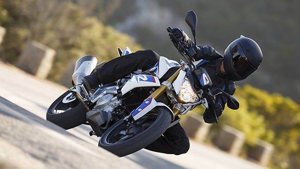 BMW say the reversed engine head configuration is part of the reason why the G 310 R will corner so well.jpg