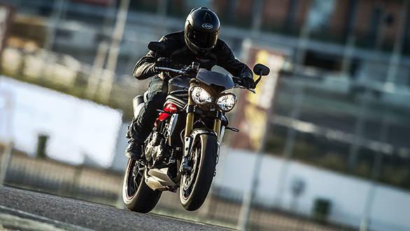 2016 Triumph Speed Triple R (2)
