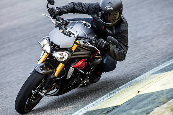 2016 Triumph Speed Triple R (3)