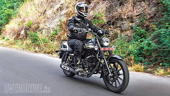 2015 Bajaj Avenger 150 Street road test review