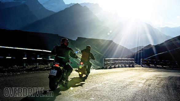 Ducati Scrambler and Triumph Bonneville (3)