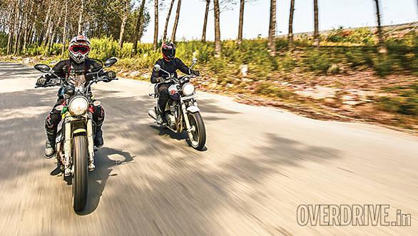 Ducati Scrambler and Triumph Bonneville (4)