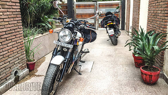 Ducati Scrambler and Triumph Bonneville (5)