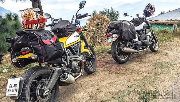 Ducati Scrambler and Triumph Bonneville (7)