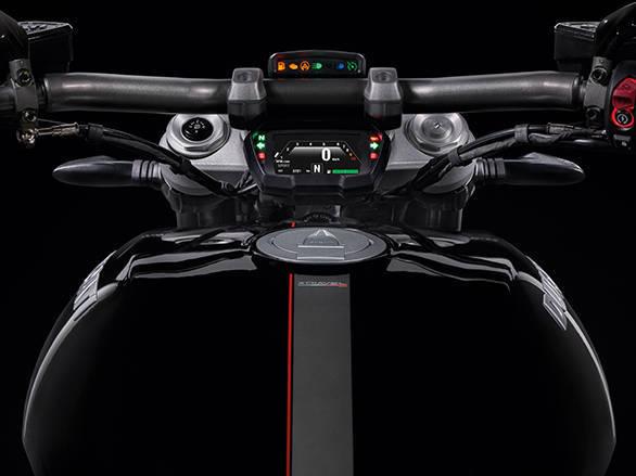 Ducati XDIAVEL S (10)