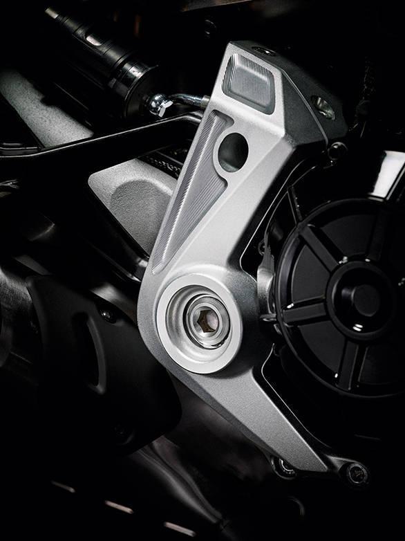 Ducati XDIAVEL S (2)