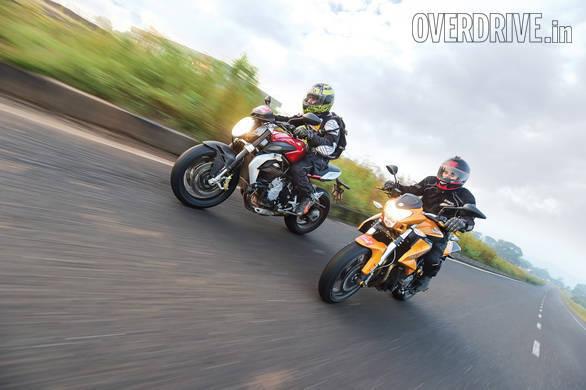 Honda CBR650F vs MV Augsta Brutale 800 vs Kawasaki Ninja 650 vs Kawasaki Z800 vs Ducati Scrambler vs Benelli TNT 600i vs Triumph Street Triple_07
