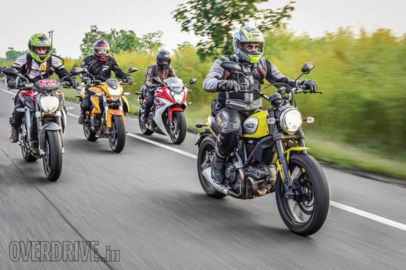 Honda CBR650F vs MV Augsta Brutale 800 vs Kawasaki Ninja 650 vs Kawasaki Z800 vs Ducati Scrambler vs Benelli TNT 600i vs Triumph Street Triple_27