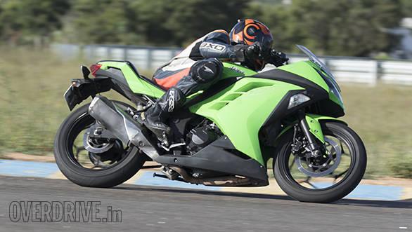 Yamaha R3 vs RC390 vs Ninja 300 (17)