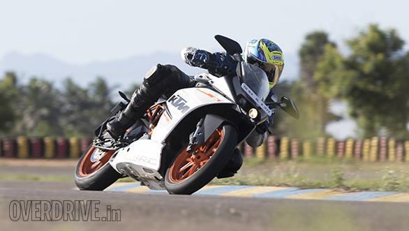 Yamaha R3 vs RC390 vs Ninja 300 (27)