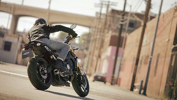 Yamaha XSR900 (3)