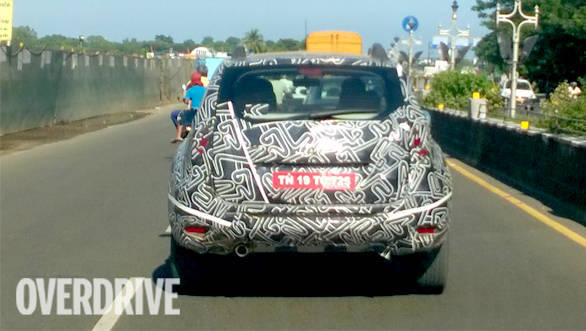 2016 Renault Duster spied (1)