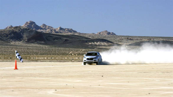 HYUNDAI TUCSON FUEL CELL SETS LAND SPEED RECORD FOR PRODUCTION F