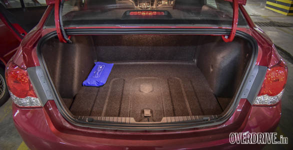 The trunk of the new Chevrolet Cruze is illuminated