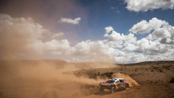 Loeb moves back into the overall lead of the 2016 Dakar after Stage 7 of the rally