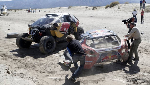Dakar 2016: Sebastien Loeb crashes 20km before Stage 8 finish