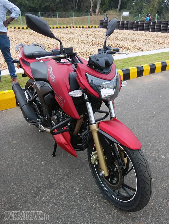 2016 TVS Apache RTR 200 (1)
