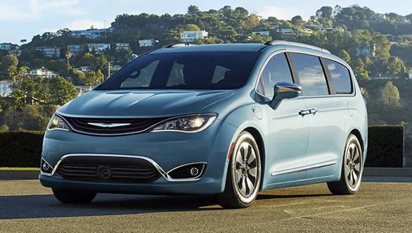 2016 Detroit Motor Show: Chrysler showcases the new Pacifica minivan