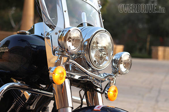 The Harley-Davidson Road King triple headlight looks fantastic and Harley-Davidson promise nearly 1000 lumens of light