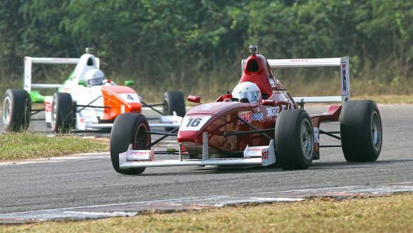 Double win for Karthik Tharani during the first round of the MRF FF1600 championship in 2016