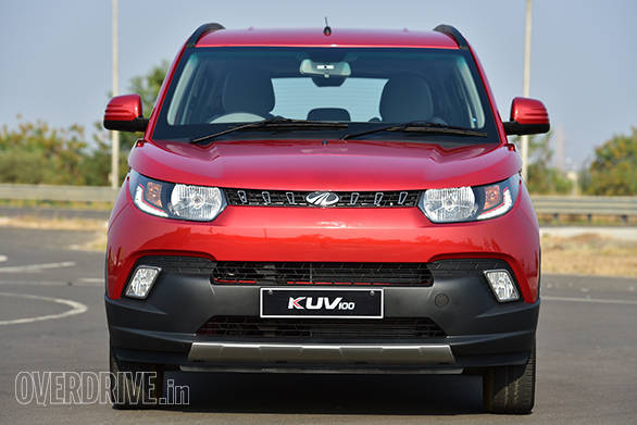 Clamshell bonnet, wraparound lamps with LED DRLs and a dual-tone bumper gives the KUV 100 a lot of presence