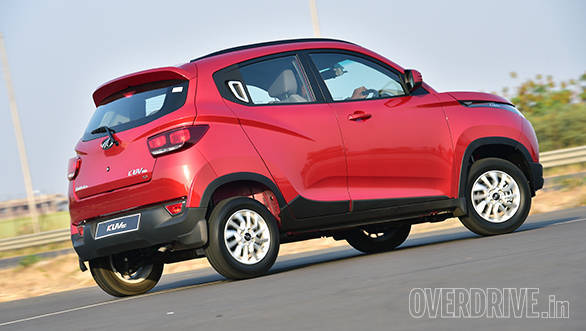 The sides feature lot of detailing but the longer nose and wraparound lights makes the KUV look more short