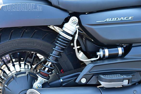 Moto Guzzi Audace (15)