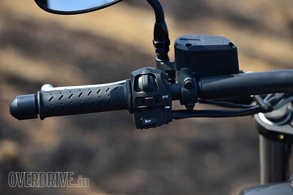 Moto Guzzi Audace (19)