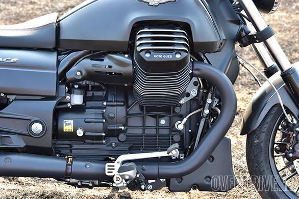 Moto Guzzi Audace (24)