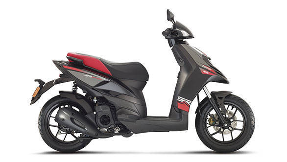 13_Aprilia SR Motard 125 Racing Black