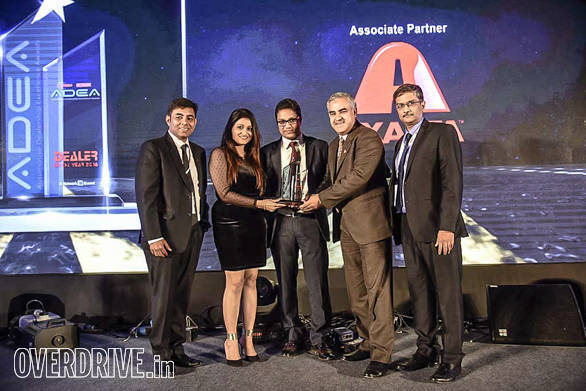 Navnit Motors, Mumbai getting the dealer of the year for 4-wheeler (luxury) category by Amit Jain, MD & CEO, Cardekho.com; Bertrand D'Souza, Cheif Editor, OVERDRIVE;  Lokendra Pal Singh, Business Management Refinish India, Axalta;  KVS Prakash Rao, President, FADA