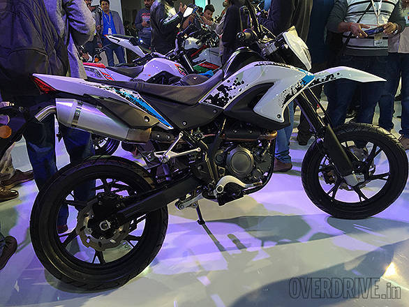 2016 Auto Expo: Benelli Unveils The TNT Naked T-135, BX