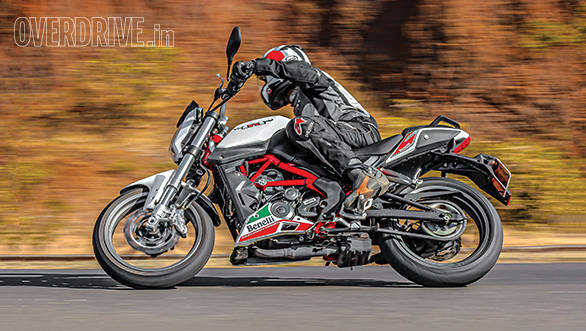 Benelli TNT 25 road test review - Overdrive