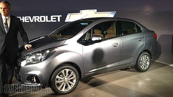 Chevrolet Essentia (2)