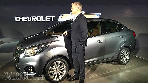 Chevrolet Essentia (3)
