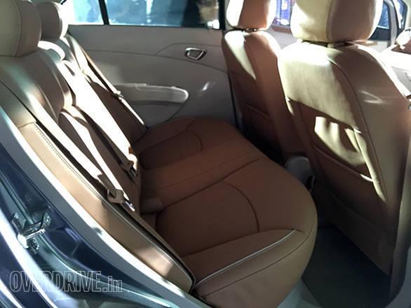 Chevrolet Essentia (6)