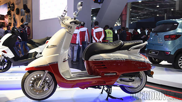 2016 auto expo mahindra showcases peugeot scooters overdrive. Black Bedroom Furniture Sets. Home Design Ideas