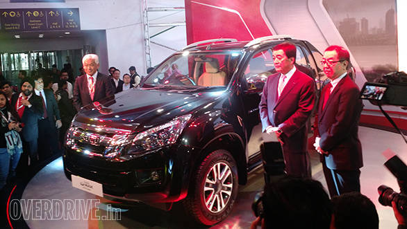 2016 Auto Expo: Isuzu unveils the new D-Max V-Cross in India