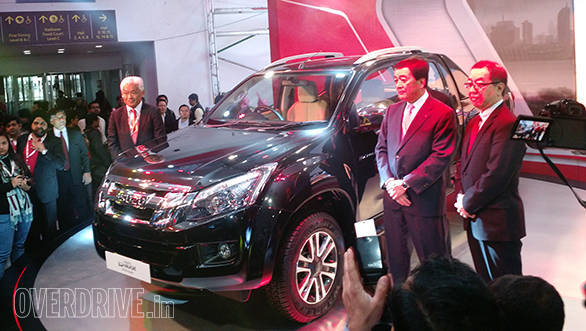 Image gallery: Isuzu D-Max V-Cross at the 2016 Auto Expo