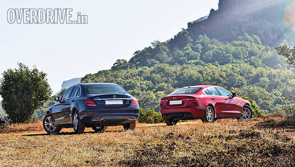 Jaguar XE vs Mercedes Benz C Class (13)