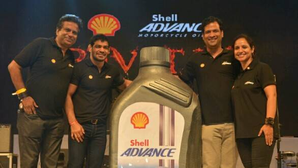 Shell Advance Ultra 15W-50 motorcycle engine oil launched in India at Rs 1,051