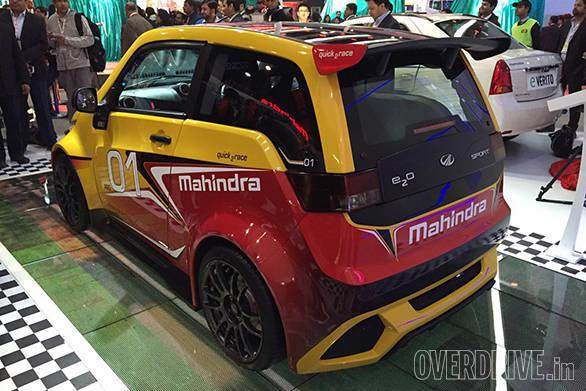 Mahindra e2o Sport (2)