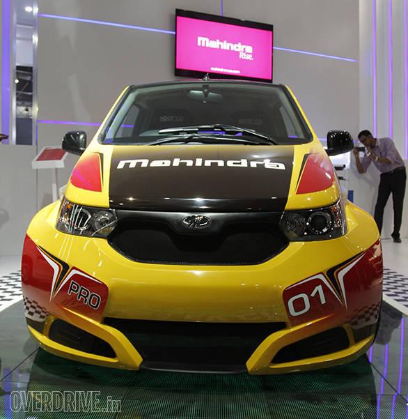 Mahindra e2o Sport (7)