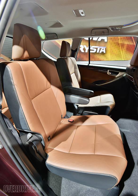 Toyota Innova Crysta (18)