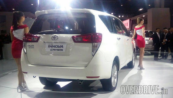 Toyota Innova Crysta (6)