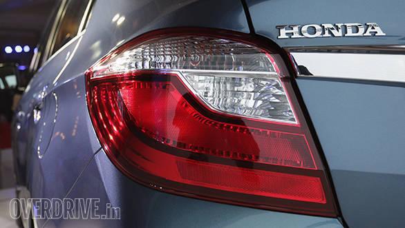 2016 Honda Amaze (1)