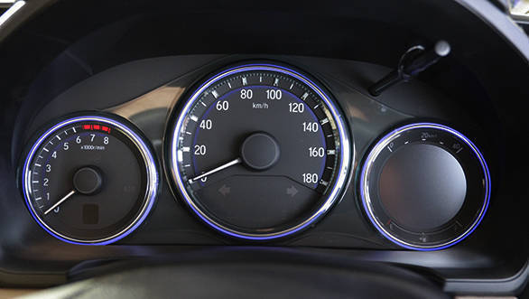 2016 Honda Amaze (9)
