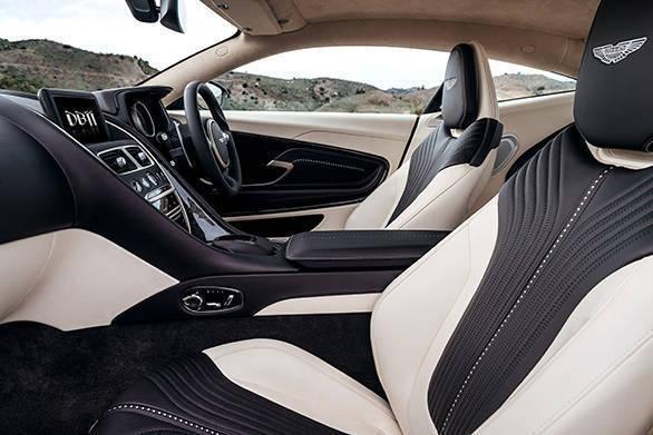 Aston Martin DB11 (21)
