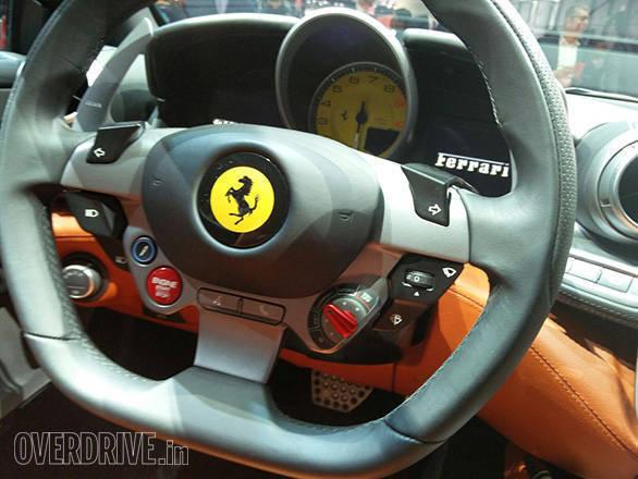 Ferrari GTC4 Lusso (7)